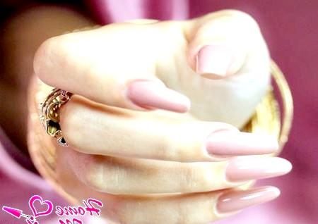 Фото - красиві змодельовані нігті
