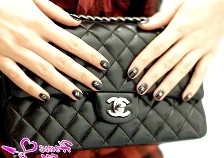 Chanel на нігтях вишуканих леді