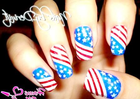 Фото - стильний прапор США на нігтях