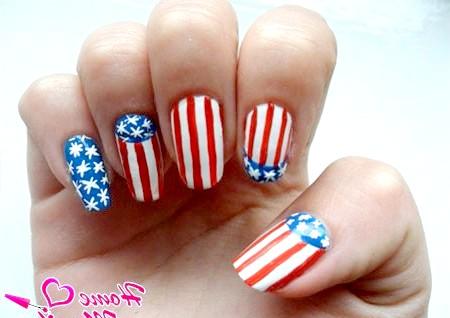 Фото - американський прапор на нігтях