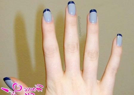 Фото - сірий френч з темно-синіми кінчиками