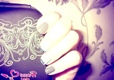 Фото - дизайн нігтів по феншуй зі стразами