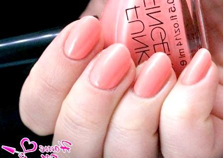 Фото - нігті ніжного коралового кольору