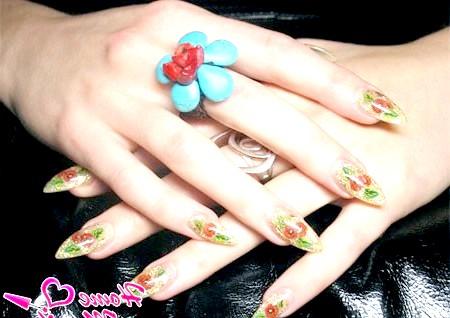 Фото - красивий аквадизайн нігтів з маками
