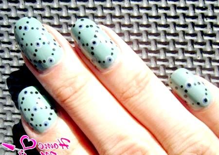 Фото - композиція з точок на нігтях