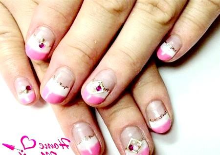 Фото - ніжний подвійний френч на коротких нігтях