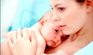 Гикавка у новонародженого: причини і методи позбавлення від неї