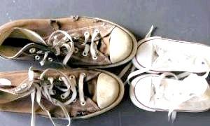 Як позбутися неприємного запаху взуття?