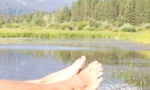 Як позбутися від судинних зірочок на ногах: лікування варикозу
