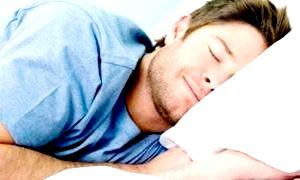 Як краще: спати з подушкою чи ні? поради фахівців