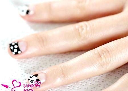 Фото - манікюр з пандами на коротких нігтях