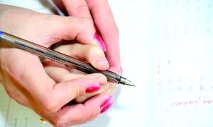 Як правильно тримати ручку? практичні рекомендації