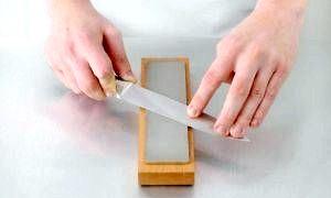Як правильно точити ножі бруском?