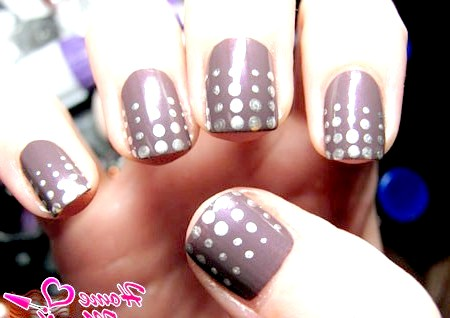 Фото - дизайн коротких нігтів з точками