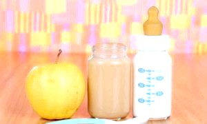 Як приготувати яблучне пюре для малюка, зберігши максимум корисних речовин