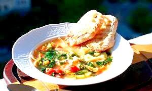 Як приготувати дуже легкий і здоровий суп «Міністроне»?