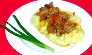 Як приготувати підливу з м'ясом до макаронів і картоплі