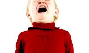 Як реагувати на дитячу істерику?