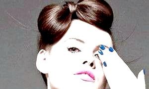 Як зробити бант з волосся на голові: проста інструкція