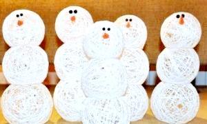 Як зробити сніговика з ниток