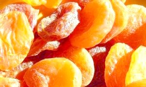 Як сушити абрикоси: всі можливі способи