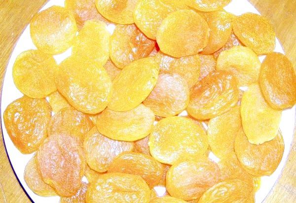 Фото - Висушені сонцем абрикоси