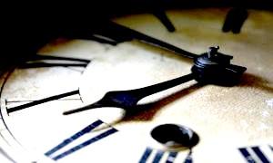 Як впливає температура на точність ходу годинника?