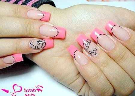 Фото - рожевий френч на квадратних нігтях