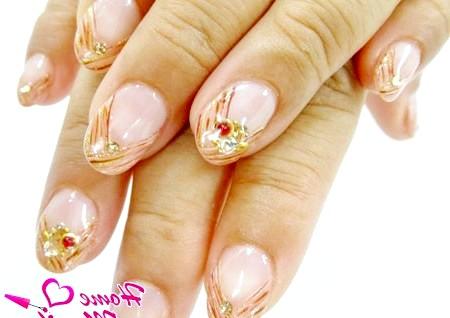 Фото - гарний дизайн нігтів для заокруглених кінчиків