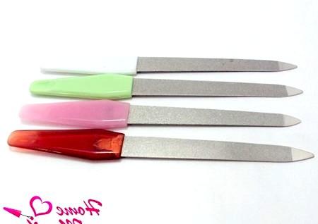 Фото - металеві пилочки для нігтів