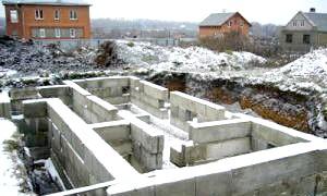 Як залити фундамент під будинок? створюємо стійку «підошву»