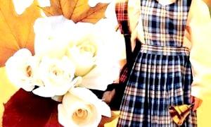 Які квіти дарувати на 1 вересня: лілії, троянди, гербери