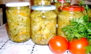Який салат можна зробити з помідорів і огірків на зиму