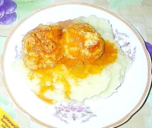Фото - Тефтелі з картопляним пюре в духовці