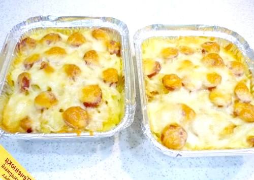 Фото - Картопля в духовці з ковбасою