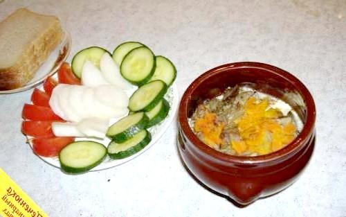 Фото - Куряча печінка з картоплею в духовці