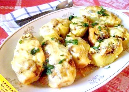 Фото - Фарширована картопля в духовці