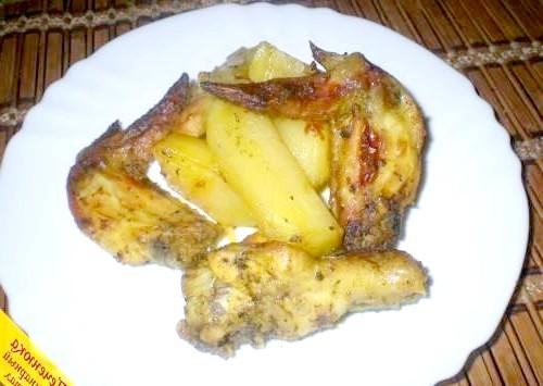 Фото - Крильця з картоплею в духовці