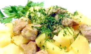 Картопля, тушкована з м'ясом в мультиварці: прості і швидкі рецепти приготування