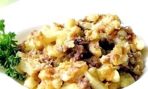 Картопля, тушкована з тушонкою: швидко, просто і дуже смачно