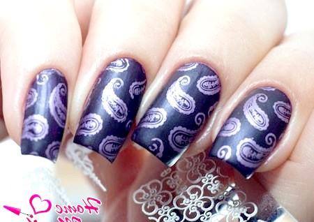 Фото - цікавий дизайн нігтів з диском від Lesly