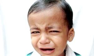Коли у дитини болить живіт, що робити мамі?
