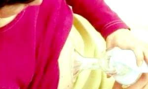 Годує мама: як правильно зціджувати грудне молоко