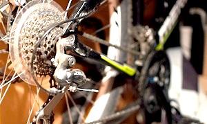 Хто винайшов перший велосипед?