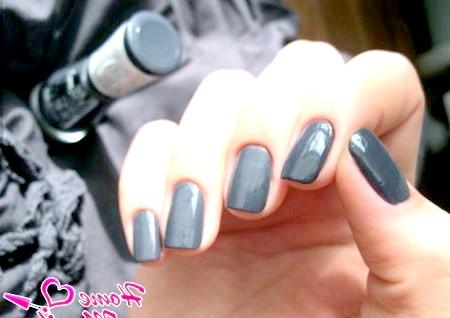 Фото - дизайн нігтів кольору мокрого асфальту