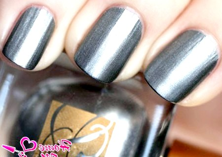 Фото - металевий лак для нігтів сірого кольору