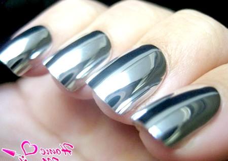 Фото - сірий металевий minx манікюр