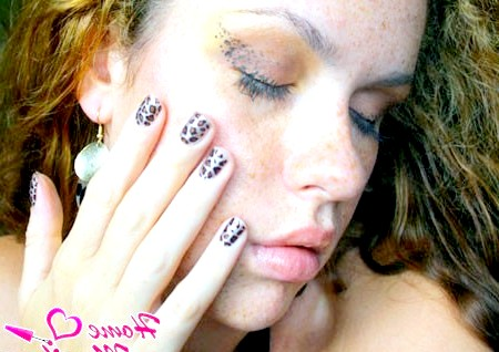 Леопардове прикраса істинної жінки