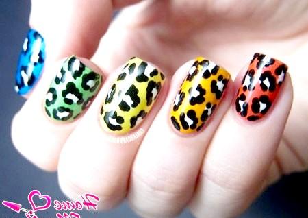 Фото - різнокольорові леопардові нігті