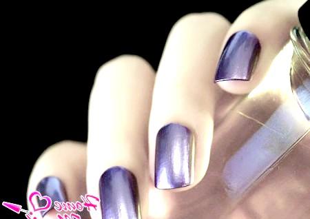 Фото - дзеркальний дизайн нігтів у фіолетовій гамі